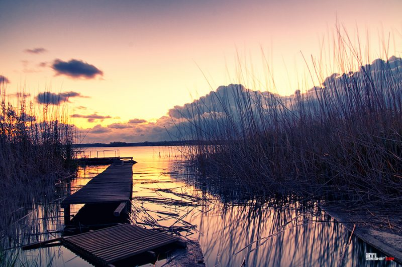 Златен залез над езеро Дуранкулак пред ресторант Златна Рибка, Светослав Иванов цветна фотография
