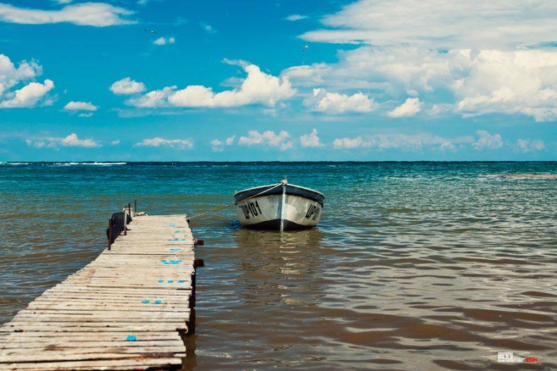 Мостик и лодки на рибарско селище Варвара снимка Светослав Иванов