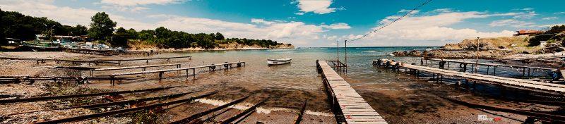 село Варвара мостик и лодки на рибарското селище, снимка Светослав Иванов
