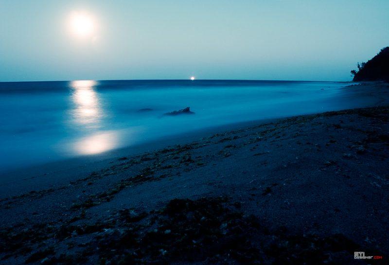 Галата Южен плаж  нощен кадър Светослав Иванов