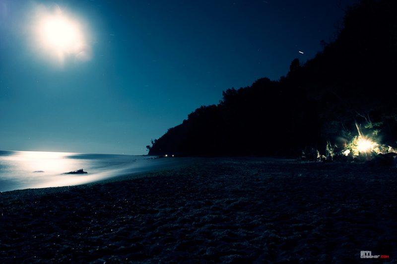 Светослав Иванов, южен плаж Галата пейзаж с луна