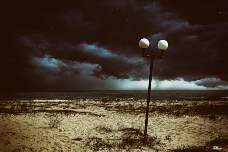Двойно експонирана цветна фотография на Алеята на плаж камчия