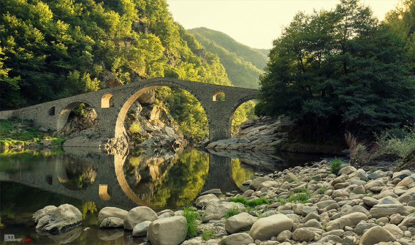 Фотография на Дяволския мост над река Арда