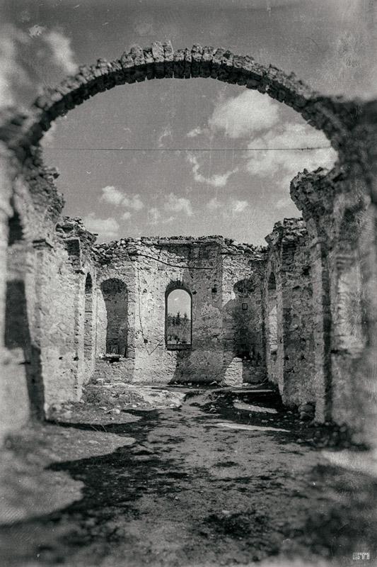 Ретуширана черно бяла фотография