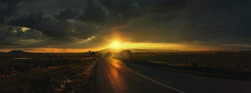 Цветна фотография на залез