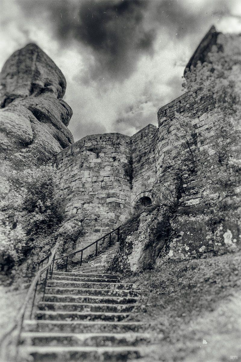 Черно бяла хроматична фотография с лентов ефект
