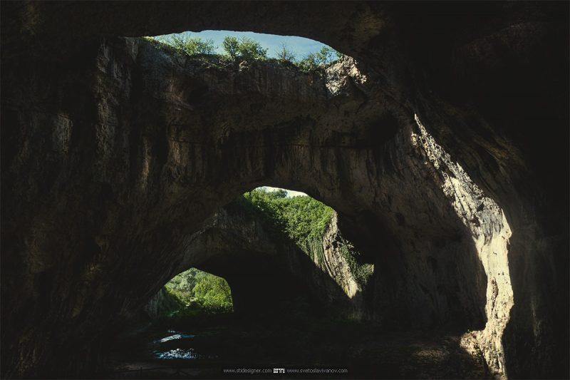Цветна пещерна фотография