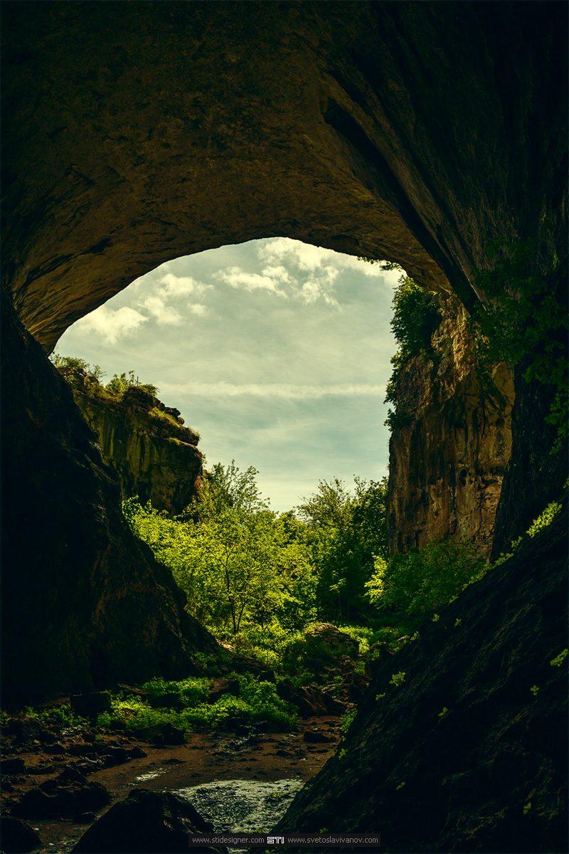 пещера Проходна входът от северната страна