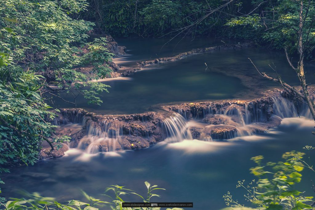 Малка каскади в ниската част на Крушунските Водопади в село Крушуна
